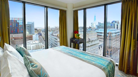 Dorsett City London features floor-to-ceiling windows and a divine view over the London skyline
