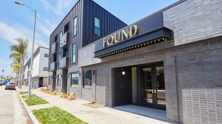 Explore Santa Monica easily with a stay at Found Hotel