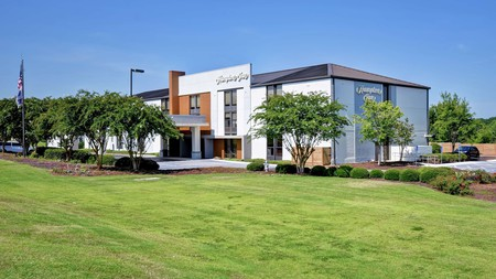 Hampton Inn Auburn offers a cozy yet convenient place to stay near Tuskegee Institute National Historic Site