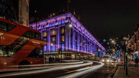 Stay at a glamorous hotel near London's greatest department store, Selfridges, and experience luxury to the fullest
