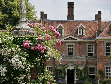 Lainston House makes a perfect stay with access to Winchester Cathedral, plus plenty of quiet country charm