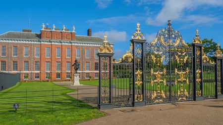 Stay at one of the best hotels near Kensington Palace to inspire your royal tour through the British capital