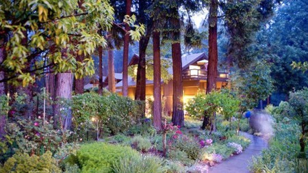 Experience the peace and quiet of the great outdoors with a stay around Lake Oroville