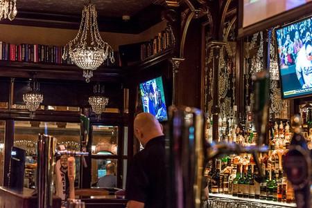 Hook up bars Portland