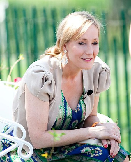 J.K. Rowling reads from Harry Potter at the Easter Egg Roll at White House | © Daniel Ogren/Flickr
