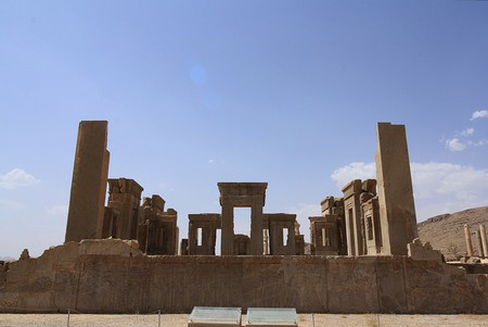 Tachara Palace, Persepolis | Flickr/Blondinrikard Fröberg