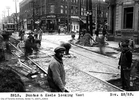 Dundas and Keele streets, looking west   © Toronto History/Flickr