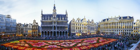 The Flower Carpet at the Grand Place ©Amaya & Laurent/Flickr