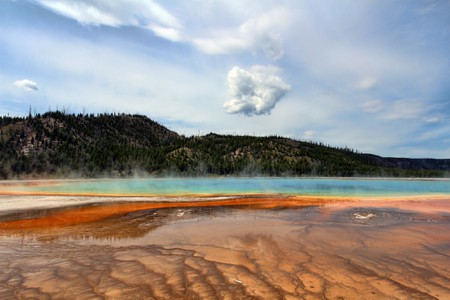 Grand Prismatic Spring at Yellowstone National Park   ©Kyla Duhamel /Flickr