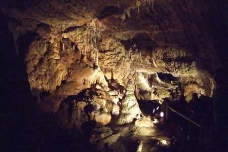 The Hotton Caves have been nicknamed the 'Arabian Night Caves' due to their magical qualities   © Wikimedia Commons