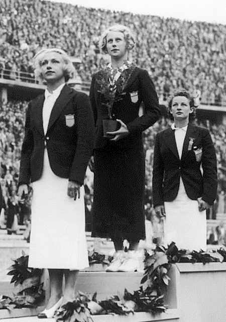 Marjorie Gestring winning first place   © Keystone France/WikiCommons