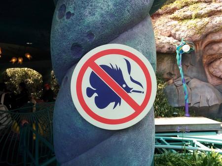 A no smoking sign at Tokyo Disneysea