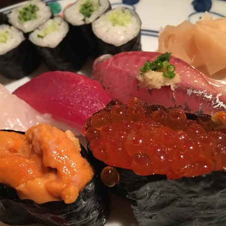 Assorted sushi | © Alicia Joy