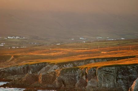 Achill Island cliffs | ©chb1848/Flickr