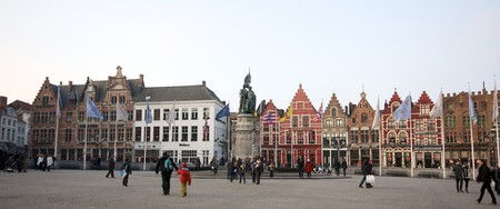 The Grote Markt during the day | © Rod-20/Flickr