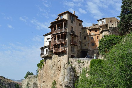 Hanging Houses of Cuenca, Spain | ©IdivaF / Wikimedia Commons