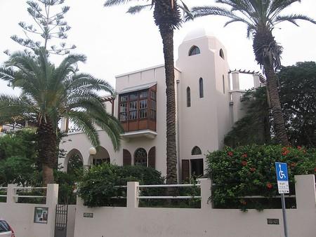 A Walking Tour of Tel Aviv's Architectural Landmarks