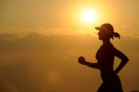 Running can be a way to let off steam or desabafar.