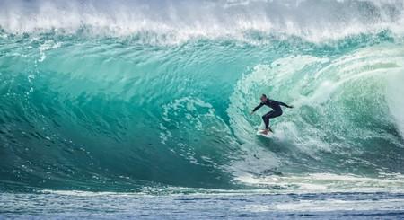 Surfing   pexels