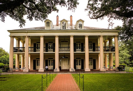 10 Notable Southern Plantation Tours in the United States on quail plantations in alabama, cotton farms in alabama, civil war battlefields in alabama, homes in alabama, old grist mills in alabama, black slaves in alabama, slavery in alabama, places in alabama, real haunted houses in alabama, southern plantations in alabama, plantations to tour in alabama, civil war plantations in alabama, famous plantations in alabama, cotton plantations in alabama, hunting plantations in alabama, abandoned plantations in alabama, 1930s life in south alabama, civil war sites in alabama,