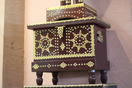 8 Uniquely Omani Souvenirs and Where to Buy Them in Muscat