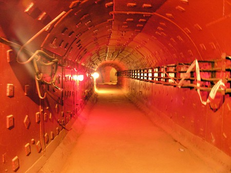 1024px-Cold_War_Museum,_Moscow,_tunnel