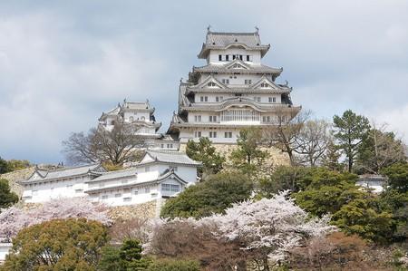 1024px-Himeji_Castle_2
