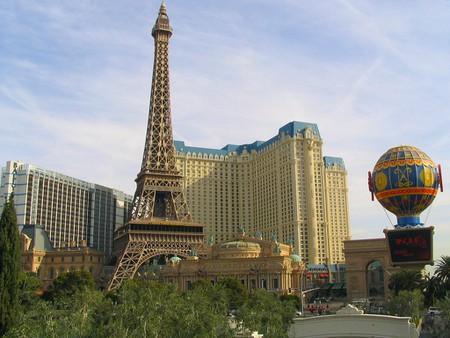 The Story Behind Las Vegas Eiffel Tower