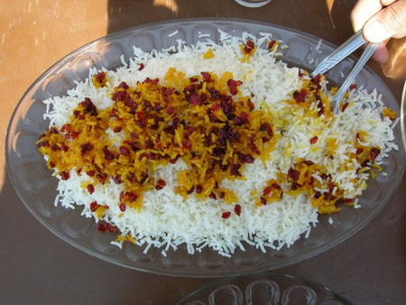 A traditional bowl of zereshk polo
