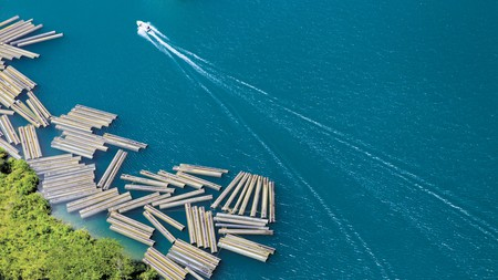 Construction materials along Lake Kivu | Courtesy of Gaël R. Vande weghe and Philippe Nyirimihigo