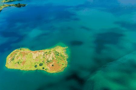 Island on Lake Kivu around Karongi | Courtesy of Gaël R. Vande weghe and Philippe Nyirimihigo