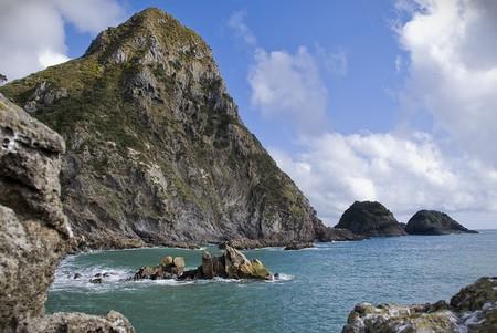 Paritutu Rock | ©Colby Blaisdell / Flickr