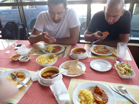 India Dining Etiquette: The Dos and Don'ts