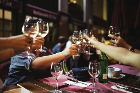 https://www.foodiesfeed.com/free-food-photo/toast-with-white-wine/