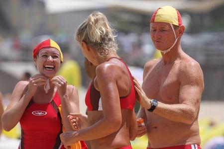 Aussie lifesavers laughing | © Eva Rinaldi:Flickr