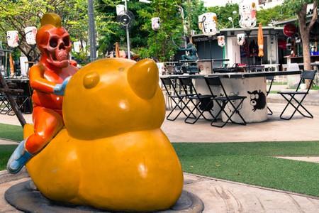 Phra Khanong statue