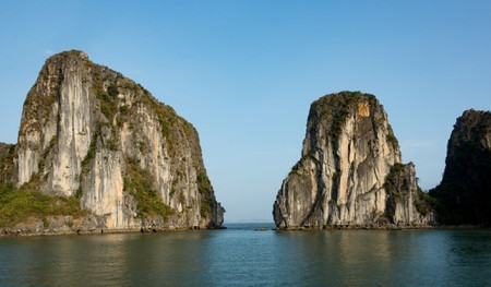 Mounts in Ha Long Bay | © Xiquinho Silva/ Flickr