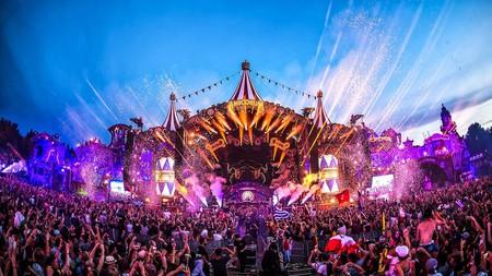 1600px-Tomorrowland-2017-2