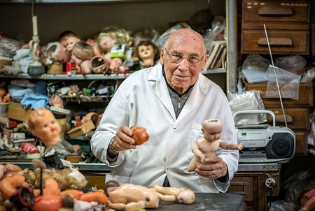 Henri Launay the Doll Doctor, Paris, France