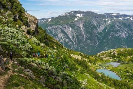 Hiking trail in Folgefonna, © Frode Tønnesen:Folgefonni Breførarlag