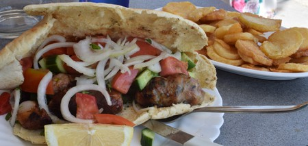 Souvlakia in pitta bread