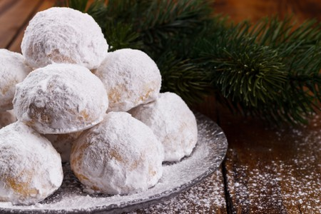 Traditional Christmas cookies with almonds.