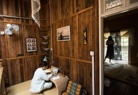 Guests stay at the Lilu Guest House on the Mogan Mountain in Deqing County, east China's Zhejiang Province. (single use)