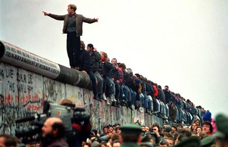 People Stand On The Berlin Wall (Photo by John Tlumacki/The Boston Globe via Getty Images)
