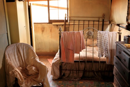 A deserted bedroom in Gwalia historical gold mining town