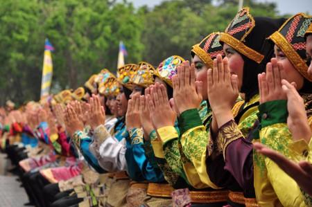 Ratoh Jaroe Saman dancers perform in Taman Mini Indonesia Indah (TMII) Jakarta