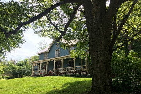 Charming Places To Stay Overnight In Beacon, New York