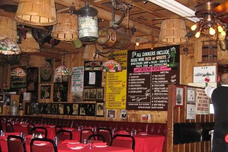 The 12 Best Old-School Bars & Restaurants in Las Vegas
