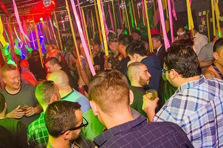hook up clubs in melbourne