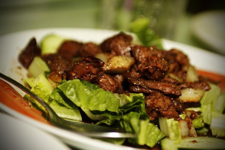 Bò lúc lắc | ©Nick Nguyen/Flickr